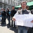 salvini_contestato_a_napoli_11.jpg