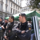 salvini_contestato_a_napoli_polizia_presidia_il_gazebo.jpg