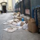 nuovo_allarme_rifiuti_napoli_piazza_santa_maria_degli_angeli.jpg