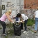 mamme_del_quartiere_puliscono11.jpg