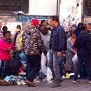 mercato_della_monnezza_a_porta_nolana3.jpg
