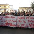 studenti_manifestano_ad_acerra_3.jpg