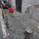 a_a_a_a_capodanno_di_follia_bambini_raccolgono_botti_inesplosi_nel_pallonetto_di_santa_lucia3.jpg