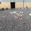 a_a_a_a_capodanno_della_vergogna_piazza_del_plebiscito_non_spazzata.jpg