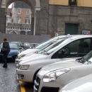 piazza_carolina_della_vergognaparcheggio_abusivo_taxiutenti_mandati_via_dai_tassisti.jpg