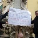 fontana_monteoliveto_il_cartellone_contro_i_vandali_2.jpg