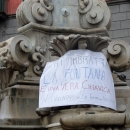 fontana_monteoliveto_il_cartellone_contro_i_vandali_3.jpg