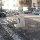 buca_killer_a_napoli_segnalata_con_un_bidone_della_raccolta_differenziata.jpg