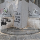vandali_a_piazza_del_plebiscito_3.jpg