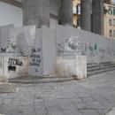 vandali_a_piazza_del_plebiscito_4.jpg