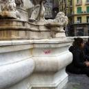 vandali_alla_fontana_di_monteoliveto_4.jpg