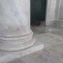 colonnati_di_san_francesco_di_paola_ripuliti_dopo_la_vandalizzazione.jpg