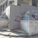 piazza_del_plebiscito_ripulita_si_levano_le_impalcatura_a_san_francesco_di_paola_e_prefettura4.jpg