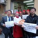 le_pizzaiole_napoletane_contro_mcdonald_s.jpg