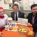 le_pizzaiole_napoletane_contro_mcdonald_s_foto_a_copertino.jpg