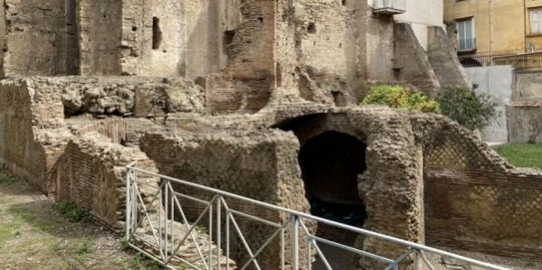 area_archeologica_forcella_napoli_7_2.jpg
