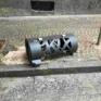 Napoli  via Tino di Camaino  cestino porta rifiuti vandalizzato